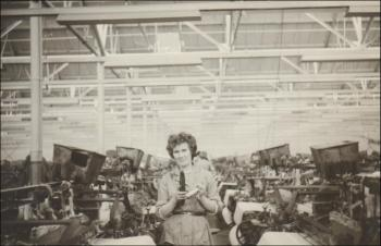 Nesta at the loom at Johnsons Fabrics, c.1950