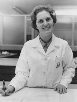 Audrey Gray working in the laboratory at Johnson and Johnson, Pengam